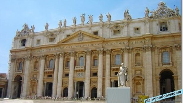 Fachada da Basílica de São Pedro