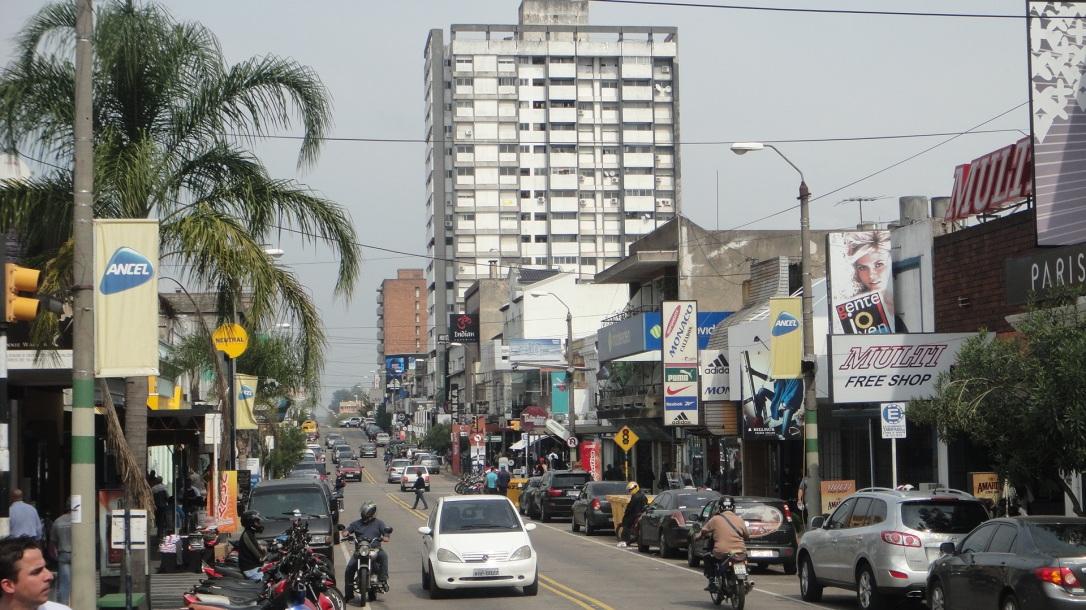 Avenida Sarandi - a principal Rua de Compras