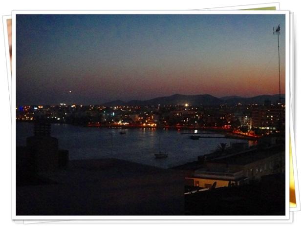 Vista noturna do apartamento em Ibiza