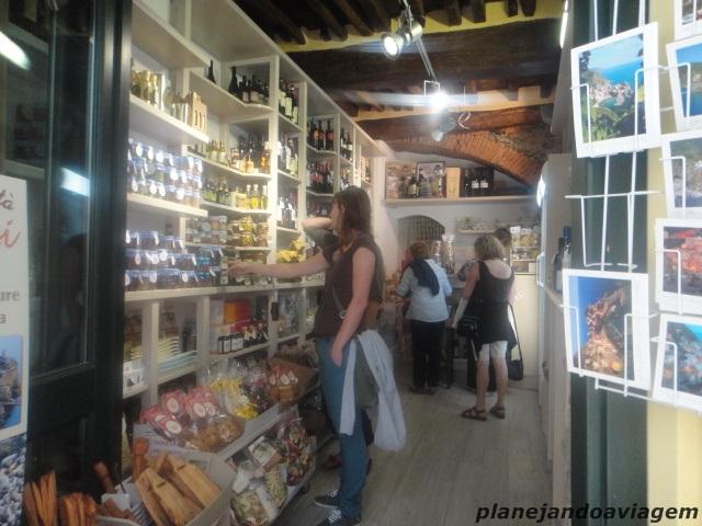 Loja de produtos locais em pleno funcionamento