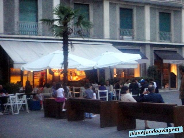 Bar nos arredores da Via Prione
