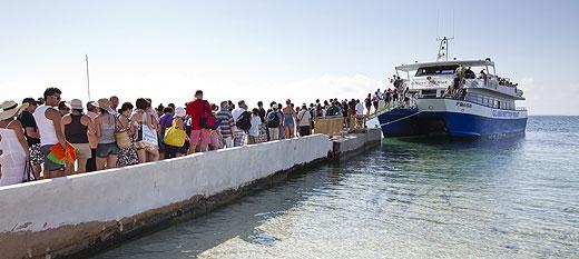 Barco de Ibiza a Formentera (foto: barcoibizaformentera.com)