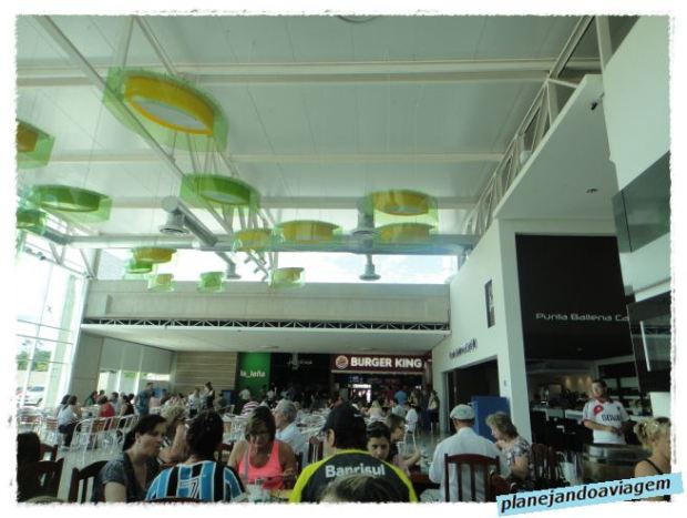 Rivera - Praça alimentação Siñeriz Shopping