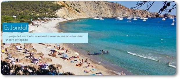Praia Cala Jondal (fonte: tropicanaibiza.com)
