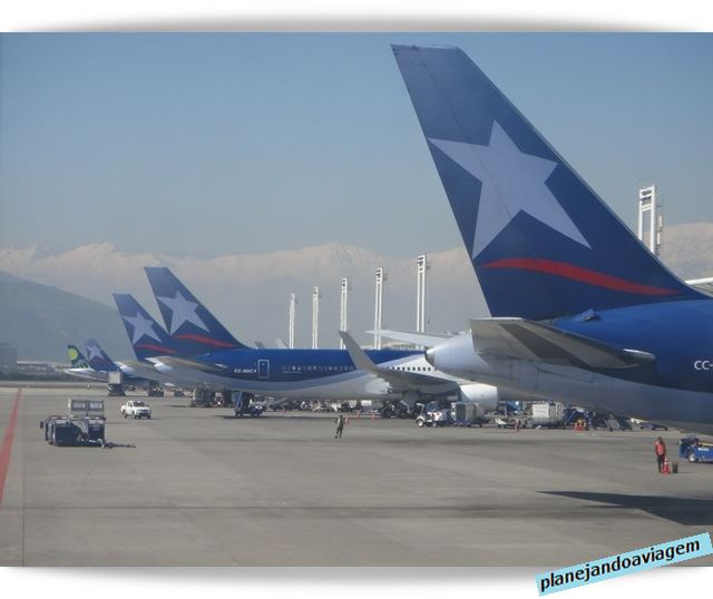 Chegada no Aeoroporto de Santiago - Arturo Benitez