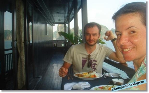 Almoço no Paradise Cruise Halong Bay