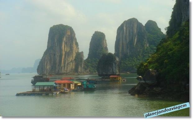 Navegando com o Paradise Cruise em Halong Bay