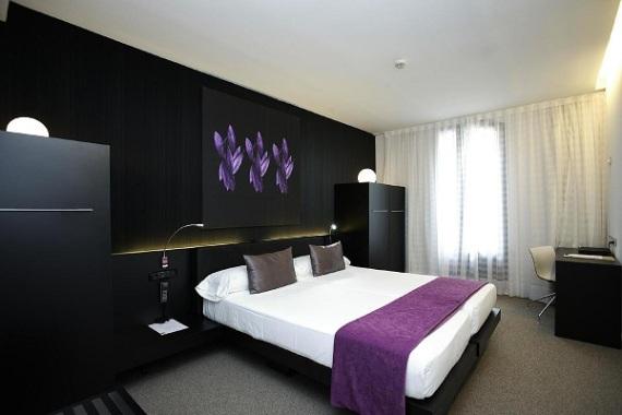 Hotel Petit Palace - Quarto (foto: reprodução)