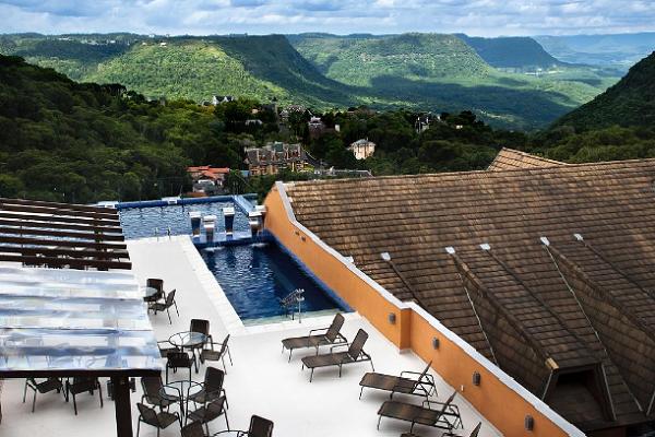 Piscina do Hotel Master Premiun em Gramado