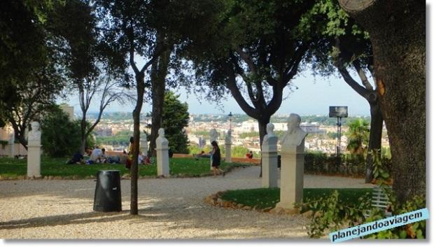 Gianicolo - parque e bustos em homenagem aos garibaldinis