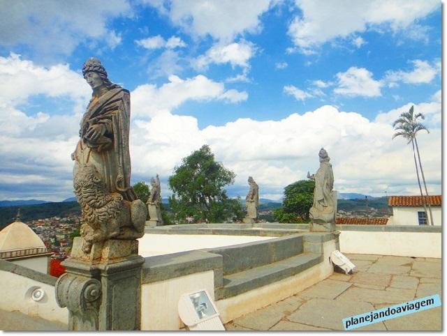Escultura Apostolo em pedra sabão