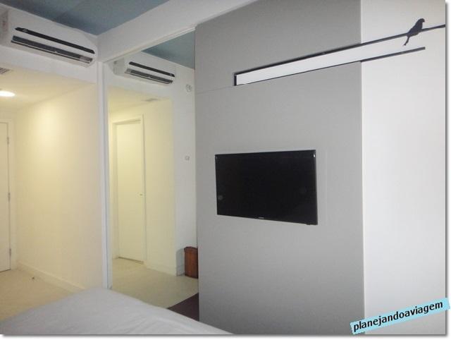 Quarto - TV e decoração