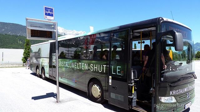 Ônibus e parada