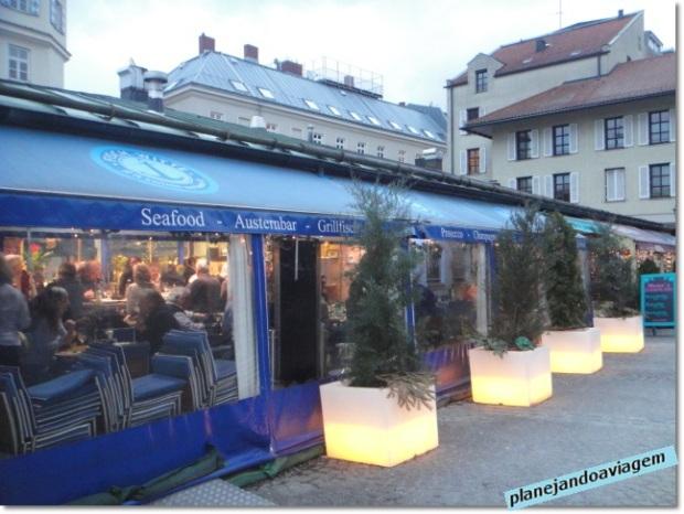Viktualienmarkt - restaurante ao redor
