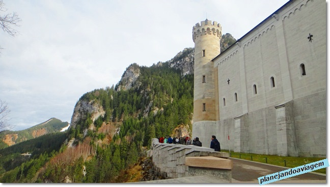 Chegada próximo ao portão de entrada de Neuschwanstein
