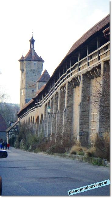 Muro que circunda a cidade