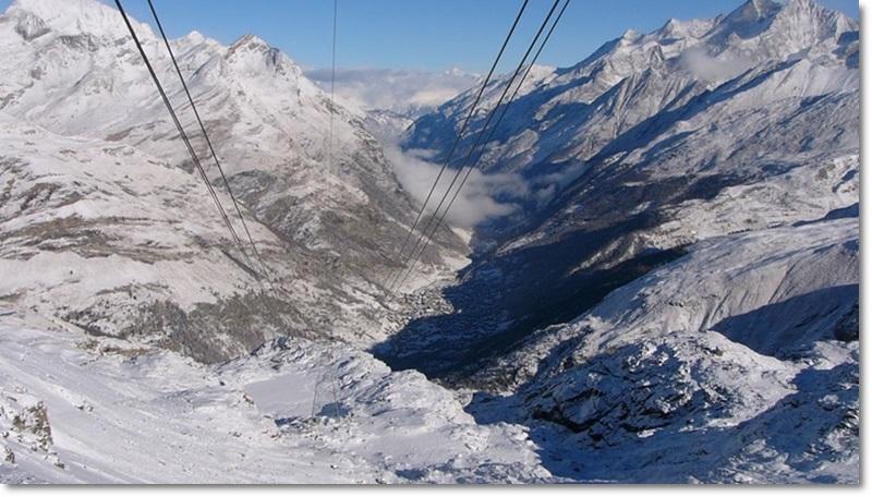 Vista de Zermatt do lift Furi que leva até o Klein Matterhorn (foto: zermatt.cz)