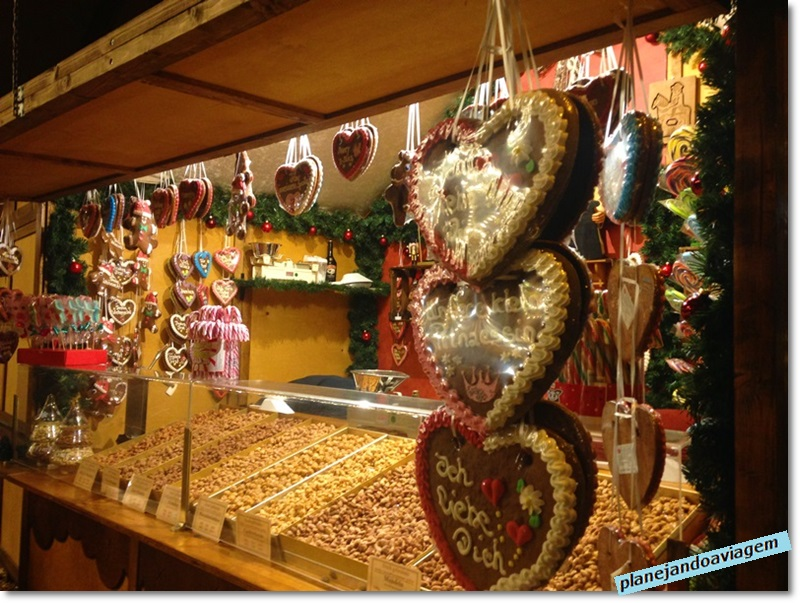 Mercado de Natal da Catedral - banca de lebkuchenherzen (biscoitos tradicionais feitos com gengibre)