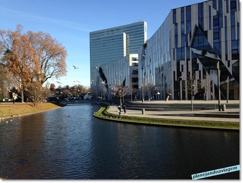 Dusseldorf - Predios proximos ao Hofgaten