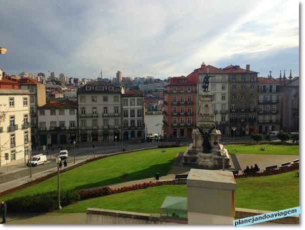 Jardim em frente ao Palacio da Bolsa no Porto