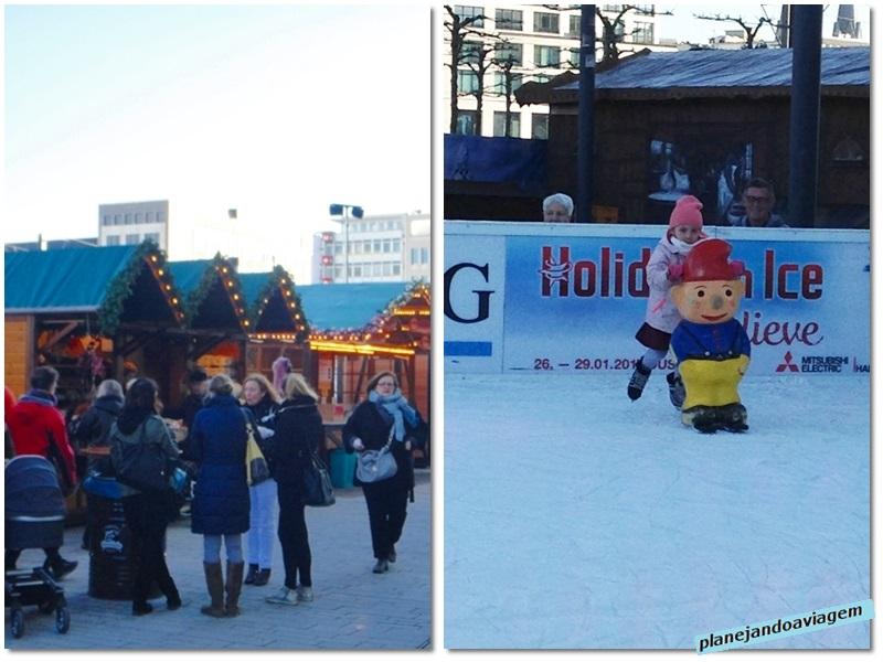 Mercado natalino e pista de patinacao em Ko-Bogen em Dusseldorf