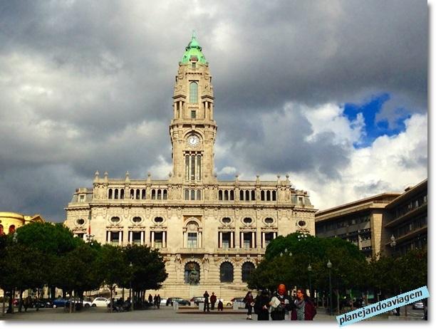 Porto - Praca da Liberdade nos Aliados na cidade do Porto
