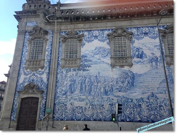 Lateral Azuleja Igreja do Carmo no Porto