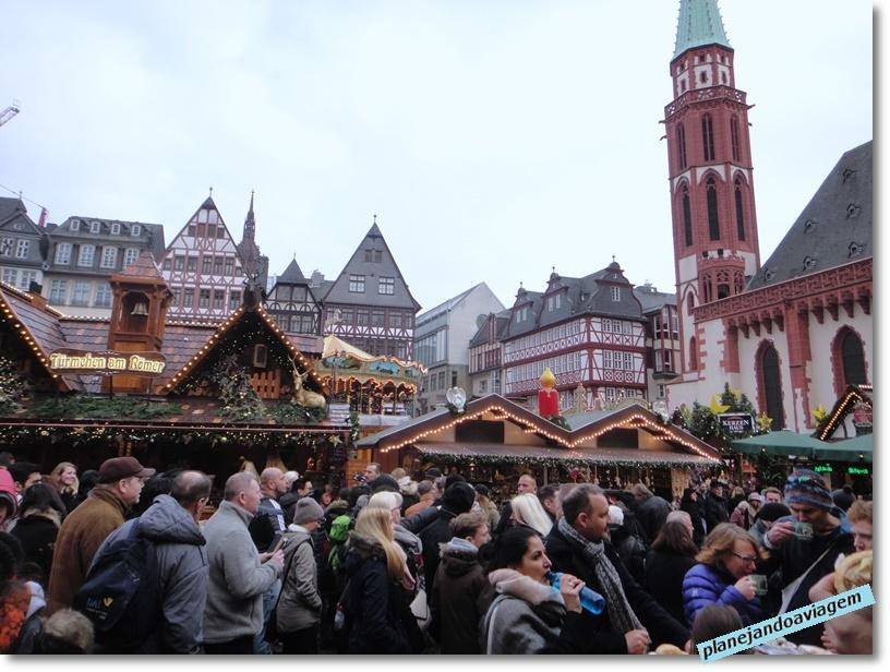 Frankfurt - Mercado Natalino na praça Romerberg