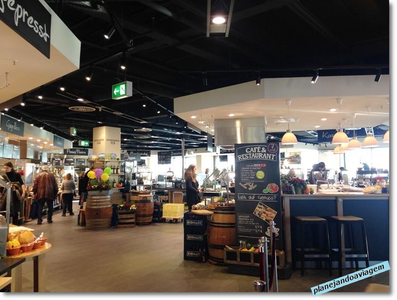 Frankfurt - Piso de comidas da loja de departamentos