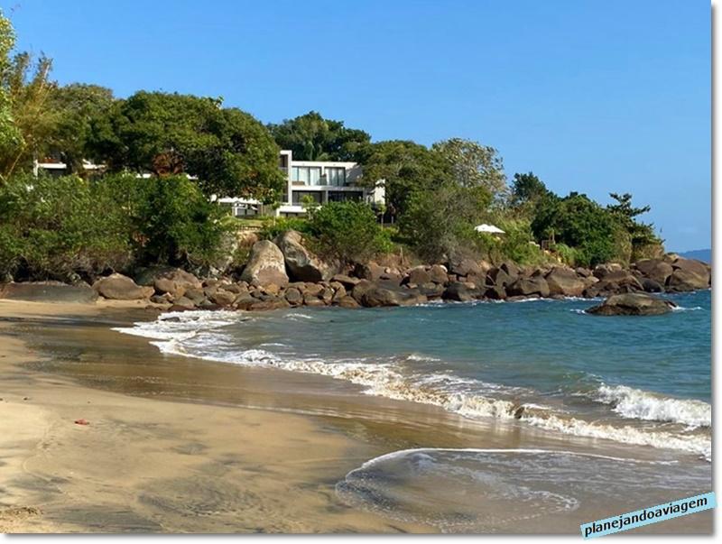 Hotel visto da Praia do Veloso