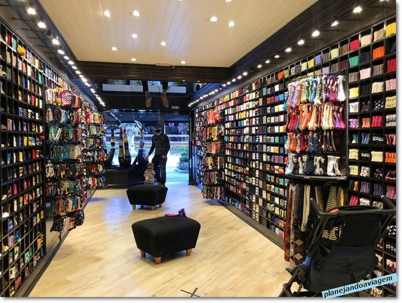Campos do Jordao - Compras - Loja de meias Inverness
