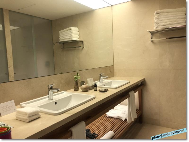 Banheiro - bancada e detalhes