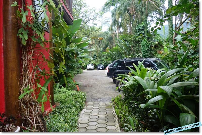 Villa Manakas - estacionamento